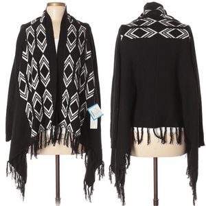 OLIVE & OAK Connie Graphic Fringe Cardigan #JJ04